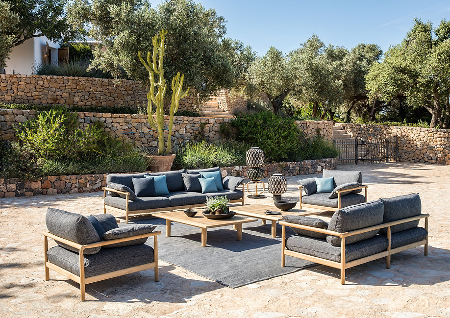 Luxury Outdoor furniture for your home and villa in monaco and france