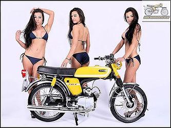 Yamaha FS1E bi ki ni girls