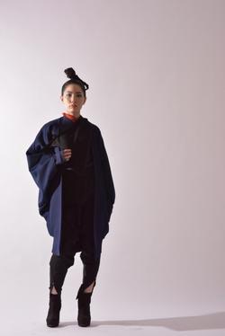 """Arc"" Kimono-sleeve Coat"