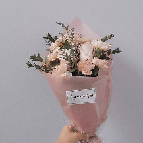 Ice-cream carnation bouquet