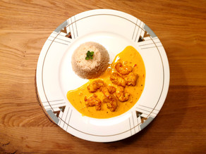 Crevetten mit cremiger Safran-Sauce und Reis