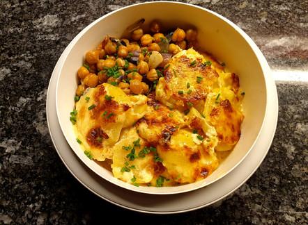 Kartoffel-Gratin mit gerösteten Kichererbsen