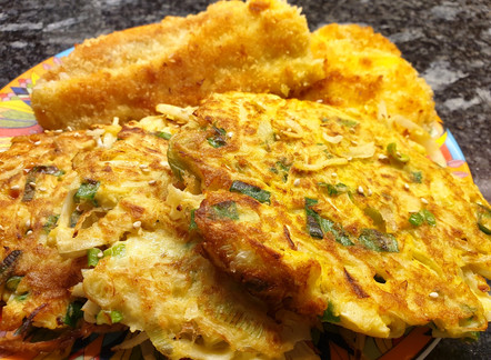 Okonomiyaki mit Fischknusperli