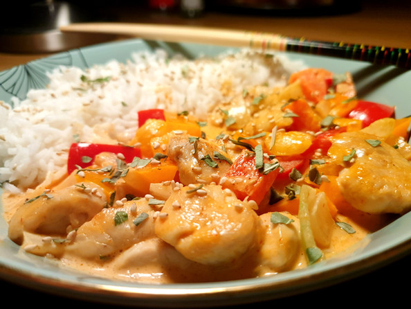 Rotes Thai Curry mit Poulet
