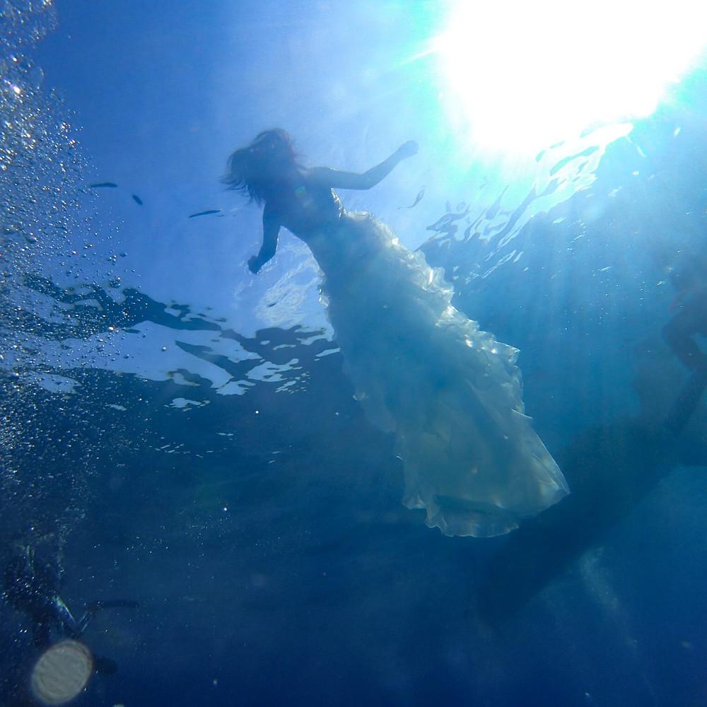 水中ウェディング ドレスダイビング ウェディングドレス