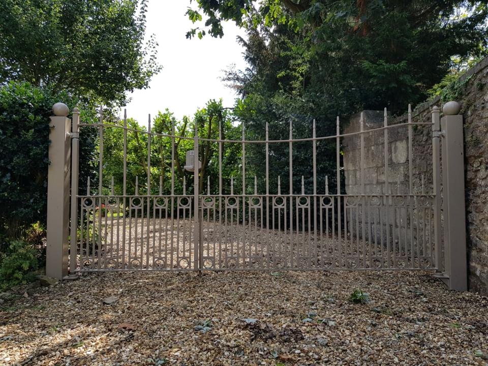 Custom Gates