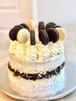 Vegan Oreo chocolate cake