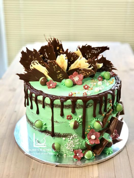 Semi Naked Drip Cake with Chocolate Shar