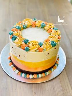 Retro Vintage Flower Cake