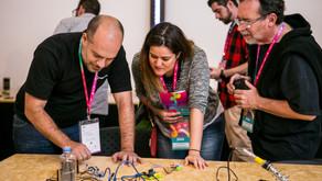 Curador de tecnologia maker no Festival Path fala sobre o cibernético e o físico