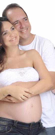 casal feliz depois da recanalização tubária
