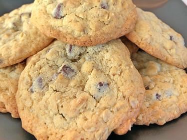 Saltled Oatmeal Chocolate Chip Cookies