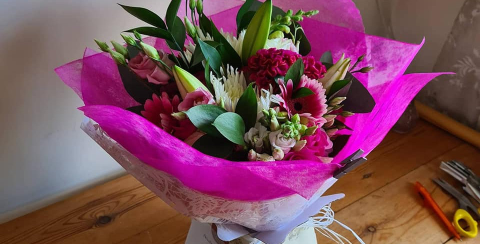 TRADITIONAL HANDTIED GIFT BOUQUET