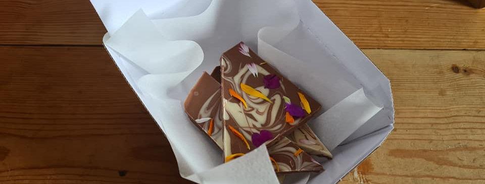 CHOCOLATE FLOWER SHARDS
