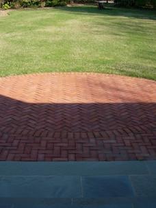 Brick-Oval-on-Stonedust.jpg