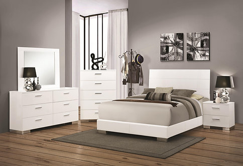 203501 Bed With Slat Styled Headboard