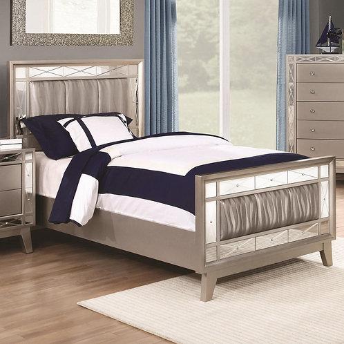204921 Glamorous Bed
