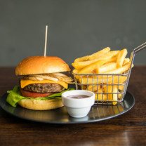 angus beef burger1.jpg