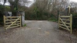 New diamond braced gates