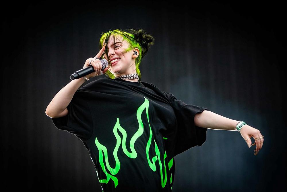 Billie Eilish é a cantora mais reproduzida do Spotify em 2020