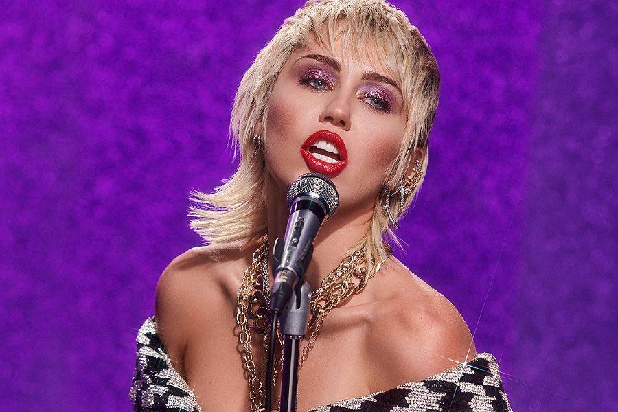 Miley Cyrus desenvolverá programas e especiais para a NBCUniversal