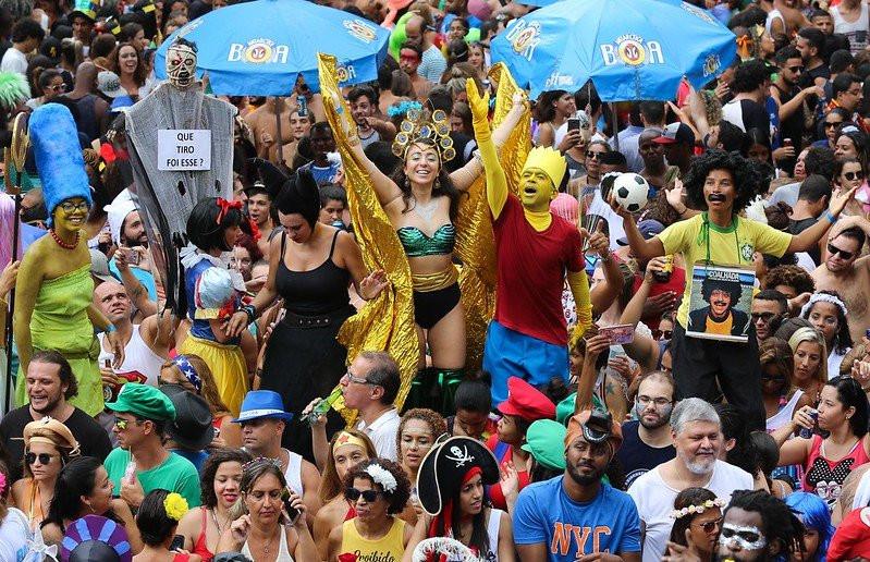 Rio de Janeiro terá DOIS carnavais, em Fevereiro e em Julho, todos os anos