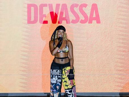 IZA cocria música inédita com talentos do 'Gueto' para nova série de Devassa