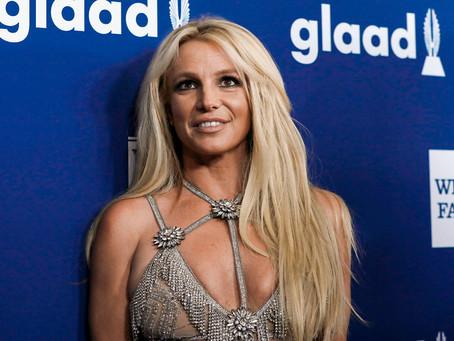 Pai de Britney Spears contratou equipe para gravar conversas sigilosas da cantora, diz jornal