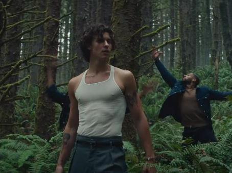 """Shawn Mendes lança clipe de """"WONDER"""", sua nova música!"""