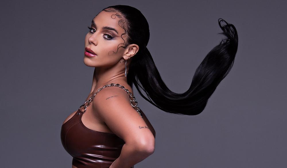 """""""BOY TOY"""": Izzy La Reina fala sobre poder feminino em novo single"""