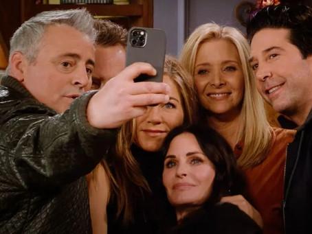Após críticas por falta de diversidade, diretor de 'Friends Reunion' responde