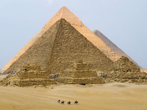 pyramids-giza-egypt_6699_600x450