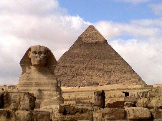visit-to-cairo-pyramids