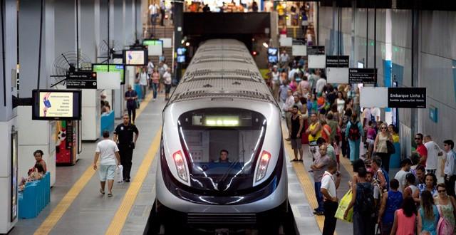 Plataforma do Metrô de Botafogo