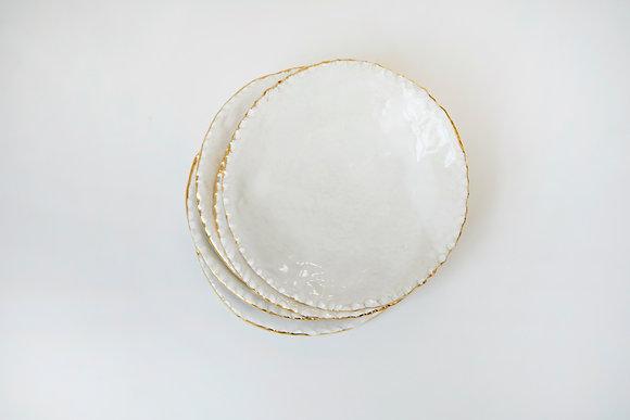 Dessert plate with gold rim