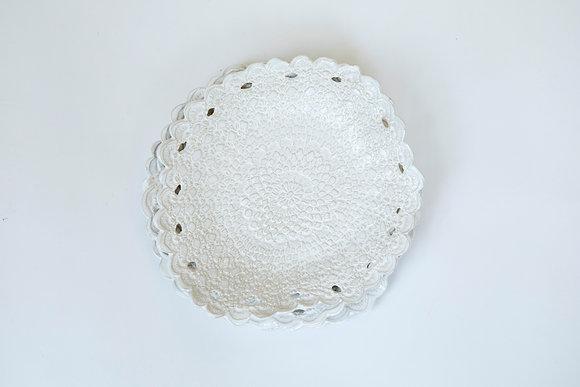 Lace like organic shape pure white