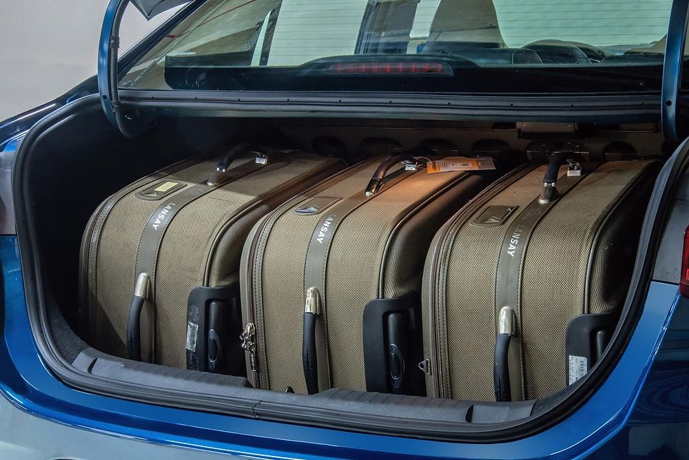 Porta-malas do Chevrole Onix Plus