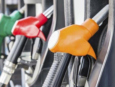 QUER ECONOMIZAR? 7 Dicas (NÃO ÓBVIAS) para melhorar o consumo de combustível do seu carro