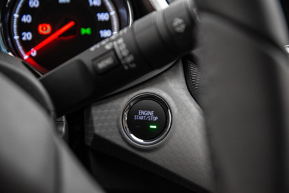 Chevrolet Onix 2020 tem versões com chave presencial e com partida start/stop