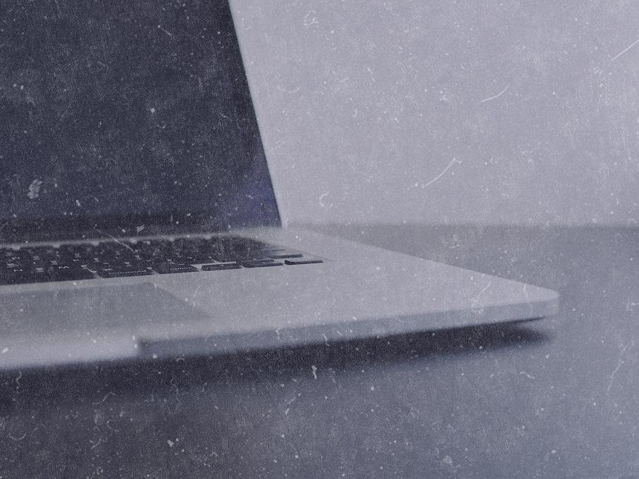 Laptop%2520in%2520close-up_edited_edited