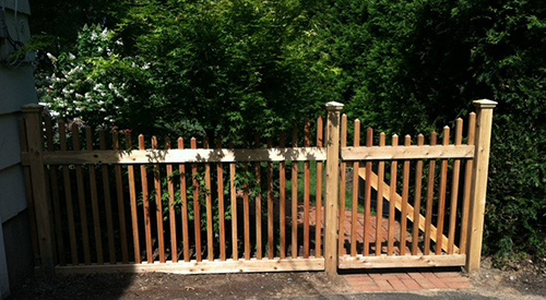 Ceda Picket fence Installation