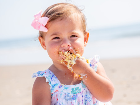 Tips for a successful cake smash session on the beach | Corolla Beach Portraits