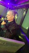 Frank Singing