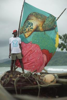 Pescador voluntário com a sua vela personalizada. © Pedro Miguel Ramalho
