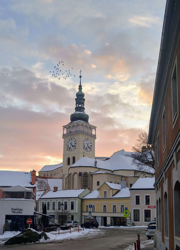 Kostelní věž v zimě