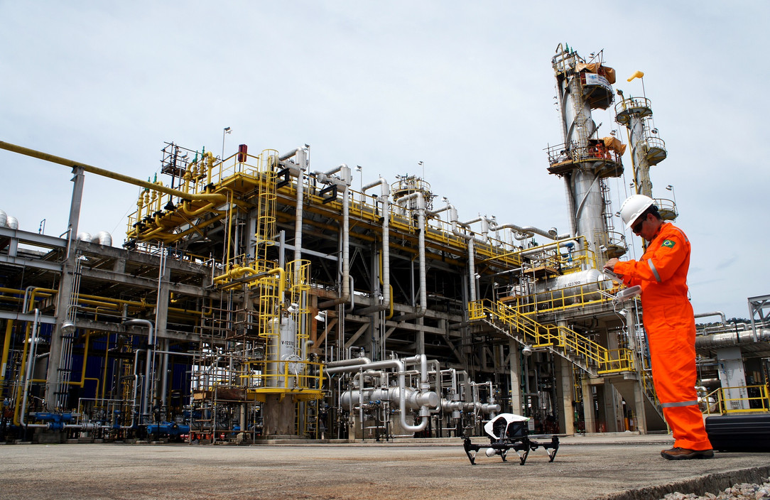oil-gas-construction-industrial-inspecti