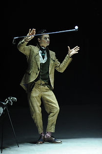 VitO Golf Juggling.JPG