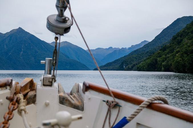 Cruising Lake Te Anau with Sailing Faith