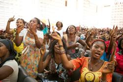 Girls welcoming Akon