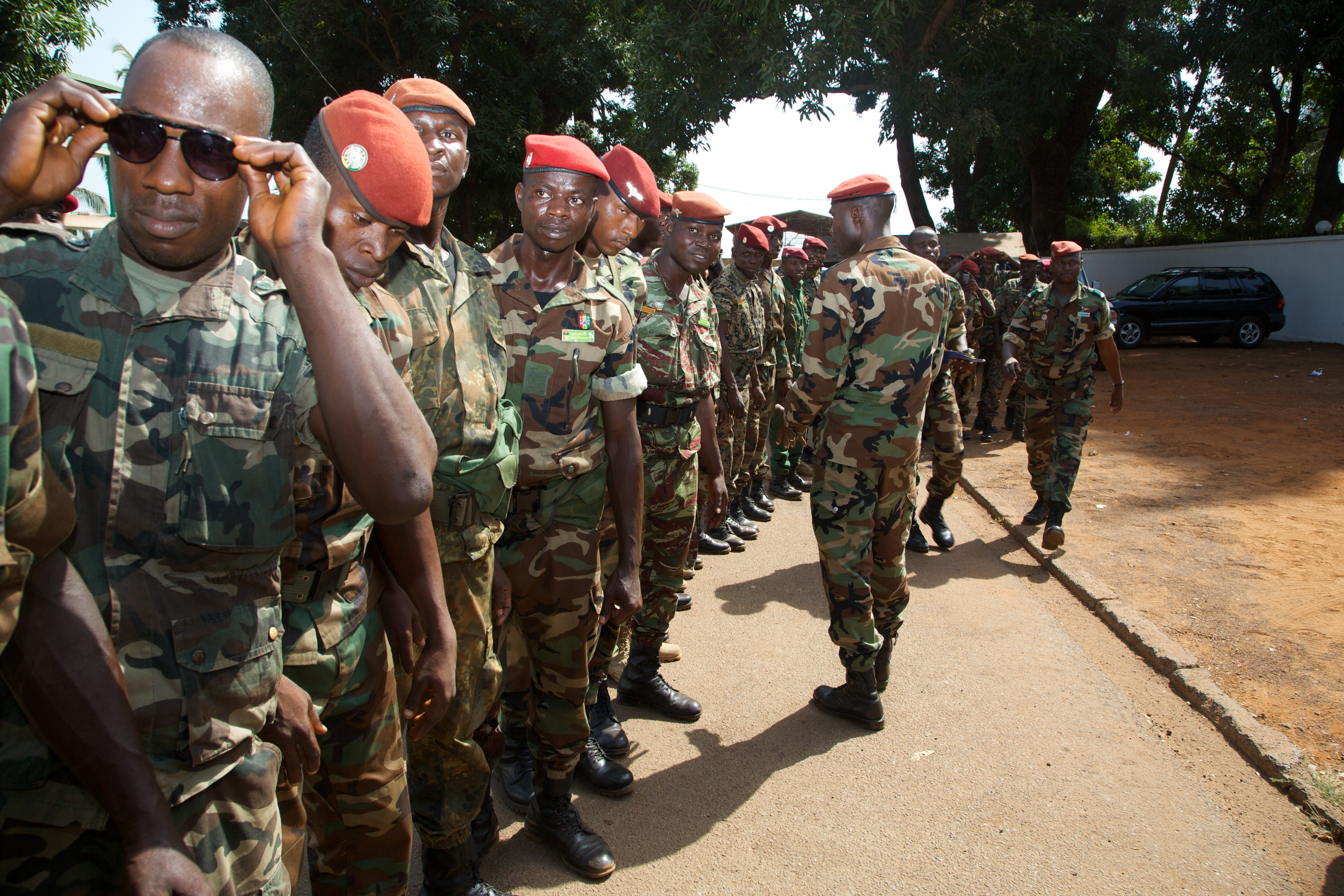 Soldiers lining up to greet Akon